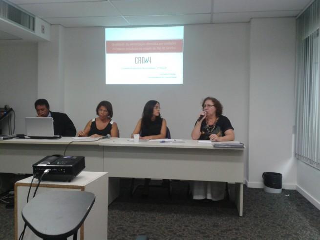 ... (CAE), Promotora Juliana Viana e Kátia Cardoso dos Santos (CRN-4